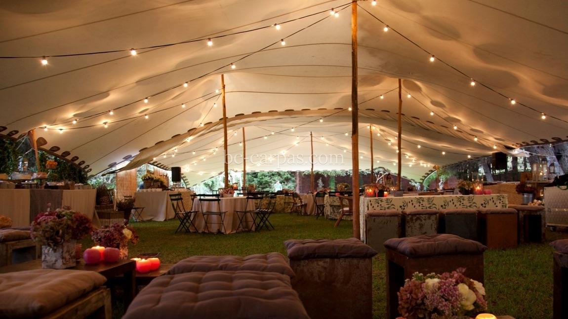 Iluminaci n para bodas y celebraciones bc carpas for Carpas de madera para jardin